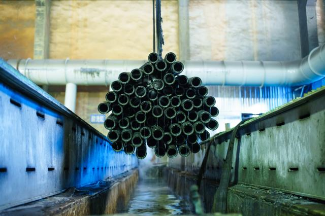 Where is a seamless steel tube manufacturer with a complete production process and equipment in China?